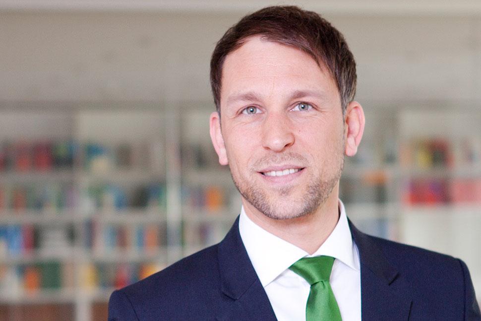 Dr. Marcel Leeser